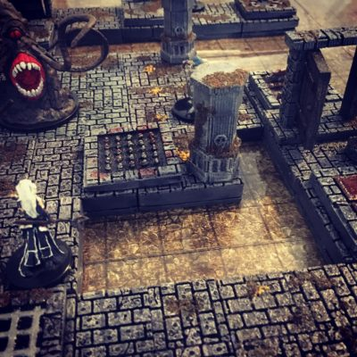 Epic Dungeon Tiles, adventurers face the roper!